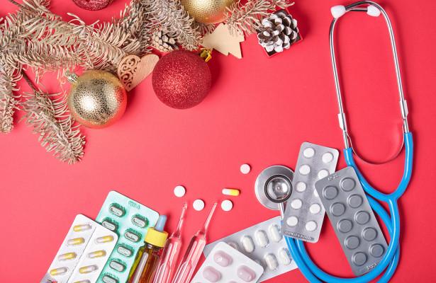 Врачи назвали обязательный состав «новогодней аптечки»