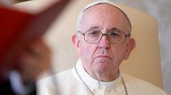 Ватикан в шоке: папа римский лайкнул горячую модель