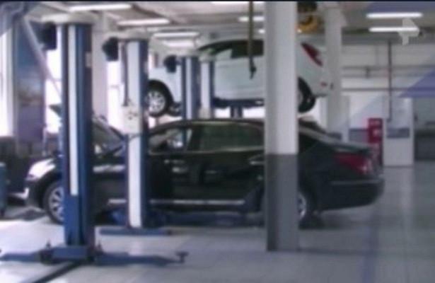 Страховым компаниям запретили отправлять машины внеофициальные сервисы