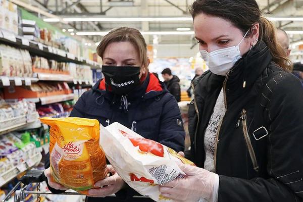 «Сгорели в топке»: Кремль не увидел смысла вливать деньги для помощи экономике