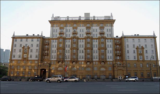 Угроза взрыва впосольстве СШАвМоскве неподтвердилась