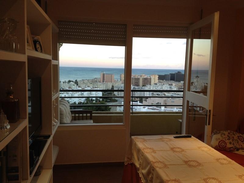 Недвижимость в Испании у моря, квартиры, дома