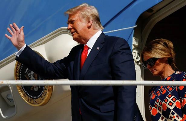 Улетевшего всвое поместье воФлориде Трампа встречала толпа