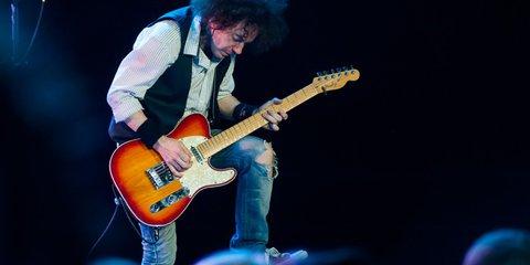 Великое обаяние рок-н-ролла: зачем музыканты посвящают себя трибьютам