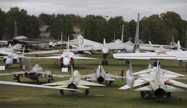 Вмузее ВВСвМонине неполучали команды перевезти авиатехнику впарк «Патриот»