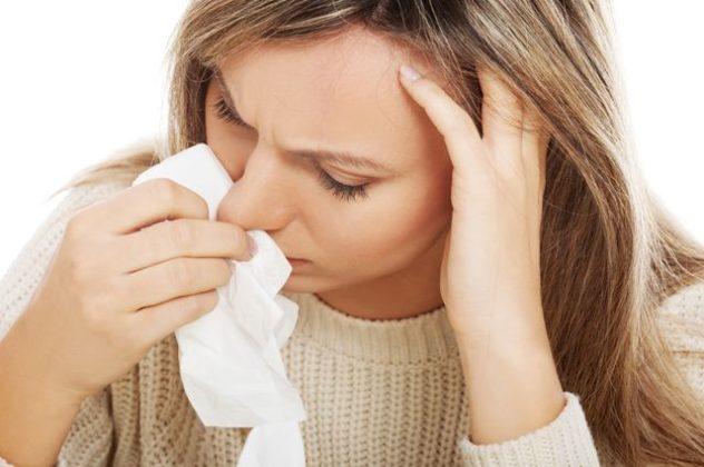 У ребенка болит голова и кровь из носа