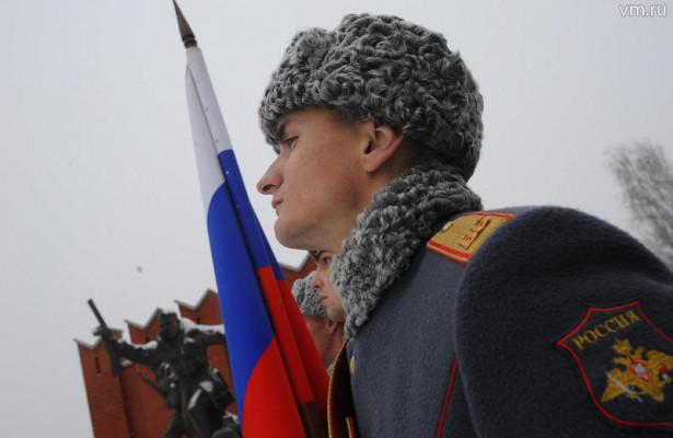 Онисражались заРодину. Школьники-кадеты иветераны возложили цветы кмемориальному комплексу, посвященному защитникам Москвы