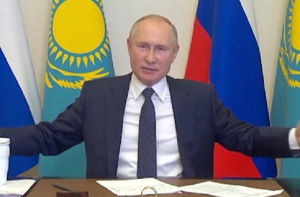 Путин руками показал казахстанскому президенту размер российского тигра