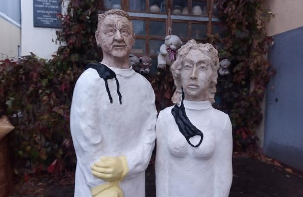 Памятник врачам, погибшим отCOVID, назвали «жутким»