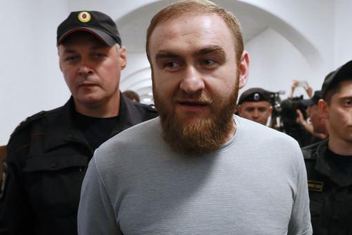 Унаходящегося вСИЗО экс-сенатора Арашукова подозревают COVID-19