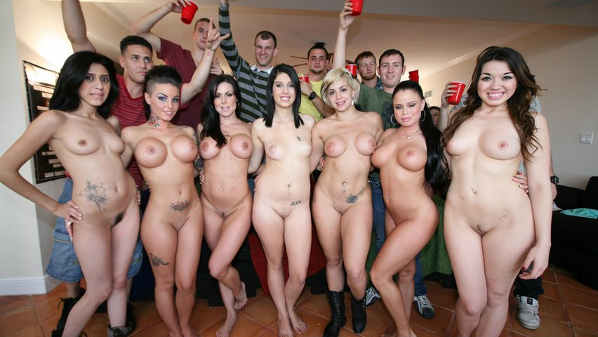 naked-american-college-girls-com