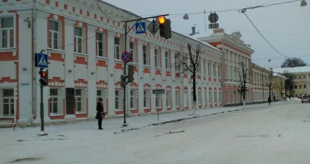 ВЯрославле всепытаются наказать мэрию занеубранный снег