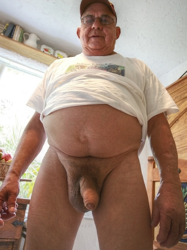 Big cock pounding pussy