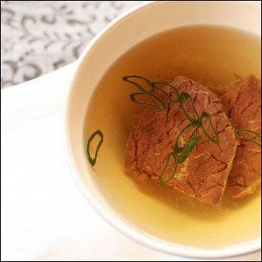 Рецепт Ароматный говяжий бульон сгвоздикой