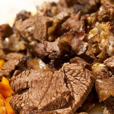 Рецепт Говядина, тушенная вгорчично-винном соусе