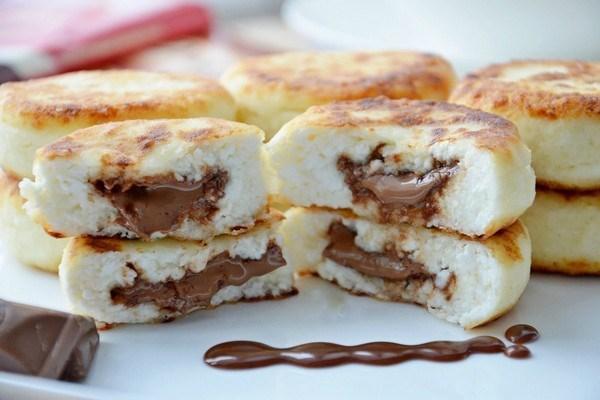 Творожные сырники с шоколадной пастой