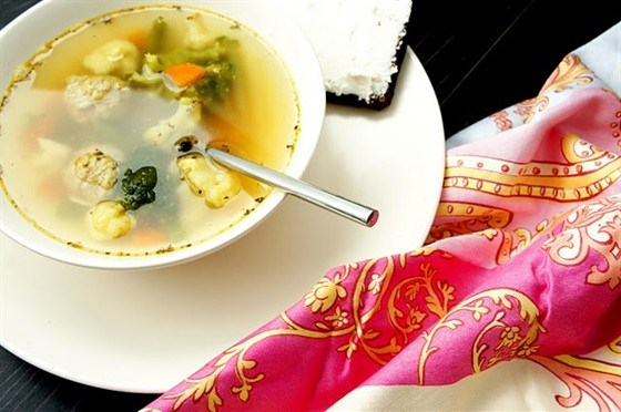 Суп овощной со шпинатом
