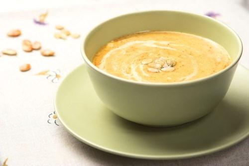 Тыквенный суп-пюре с карамелизованными семечками