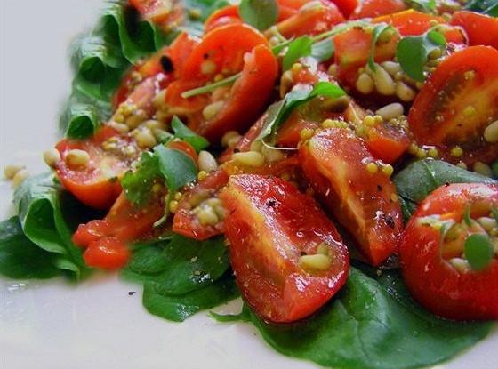 Салат из шпината с пармезаном