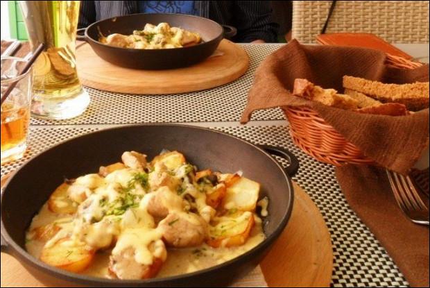 Запеченный картофель в яйце
