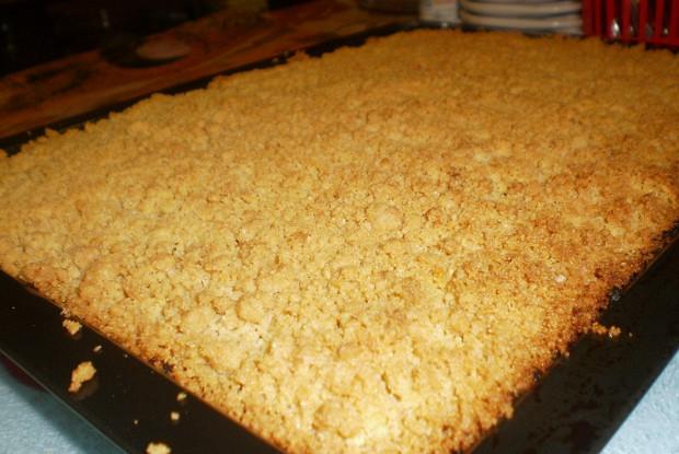 Манный пирог с финиками