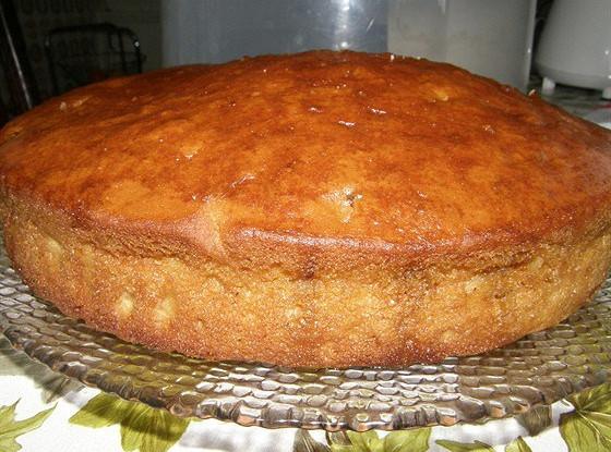 Сладкий пирог с орехами и клюквой