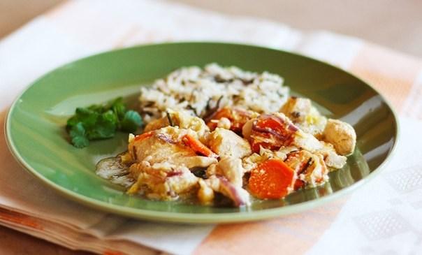 Фрикассе цыпленка с овощами и пророщенным нутом