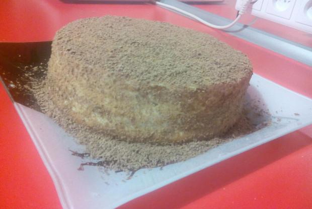 Бисквитный торт с персиками и нежным кремом