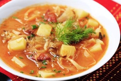 Суп из квашеной капусты с рисом и картофелем по-запорожски