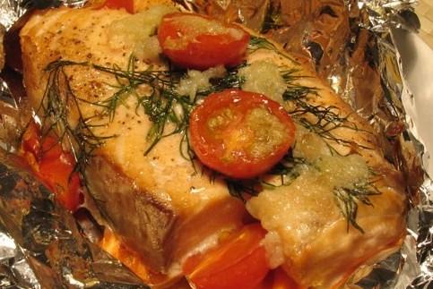 лосось в духовке рецепт с сыром помидор