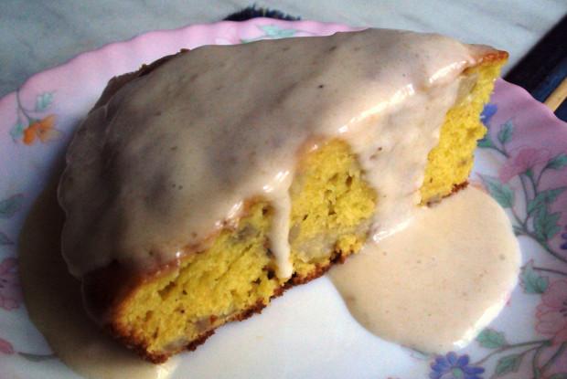 Пирог с бананами и сметанным кремом