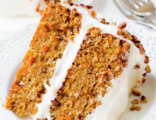 Морковный кекс с орехами и изюмом изоражения