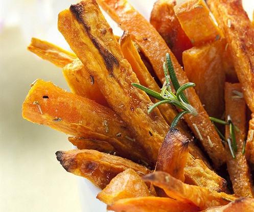 Чипсы из сладкого картофеля с ароматом мескитового дерева