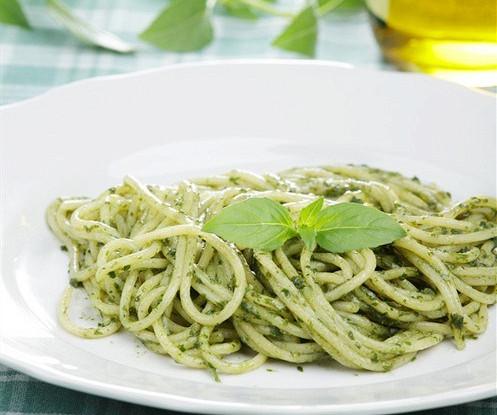 Спагетти с песто из черемши