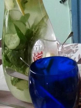 Напиток имбирный с огурцами и мятой