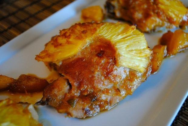 Окорочка запеченные с ананасами и картофелем