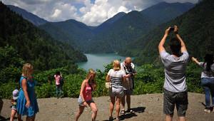 «Поушивгрязи иразрухе. Туристов ненавидят»