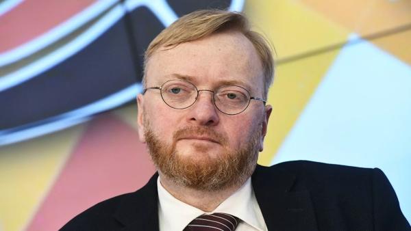 Российского дипломата вызвали вМИДАзербайджана из-заслов Милонова