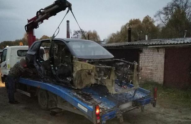 Полицейскими Владимирской иИвановской области задержаны автоворы, похищавшие иномарки дляпродажи комплектующих
