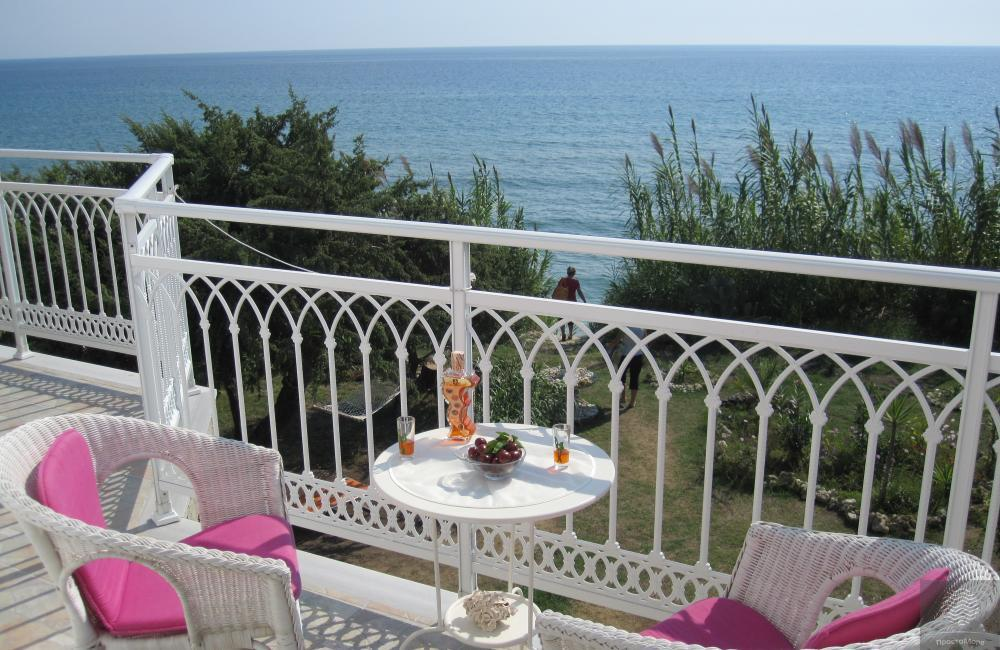 Вилла в Агиос Георгиос на берегу моря