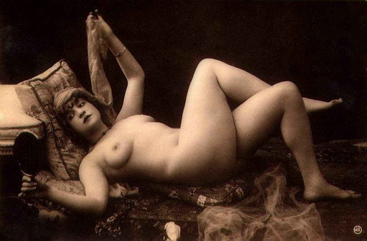 исторические фото голых женщин будоражили сцены секса