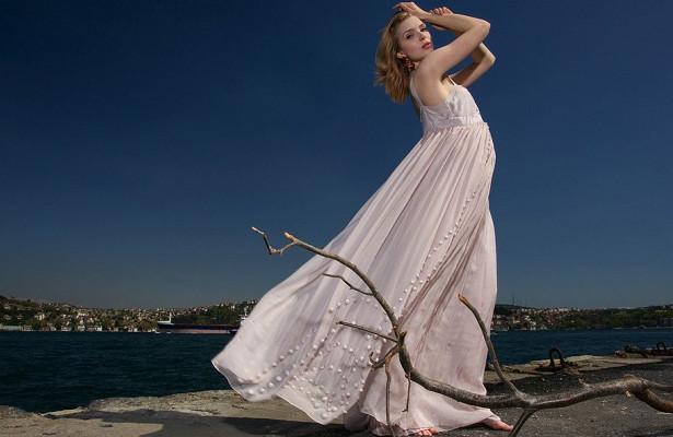 Втренде: счемносить платья макси