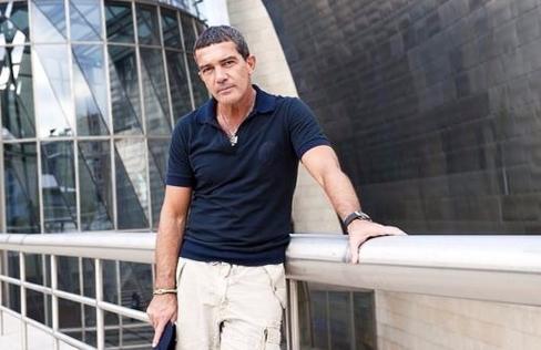 Антонио Бандерас: «Мнененравится доминировать надженщинами»