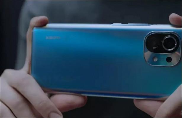 Xiaomi представила международную версию флагмана Mi11